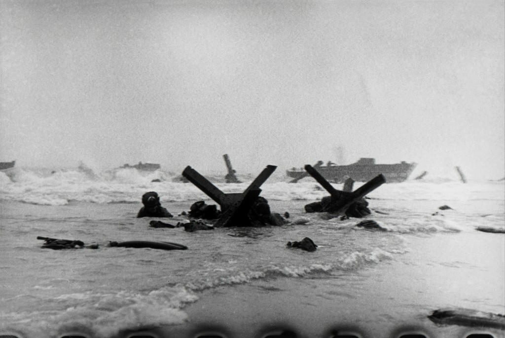 https://www.artsy.net/article/artsy-editorial-photographer-robert-capa-risked-capture-d-day-images-lost