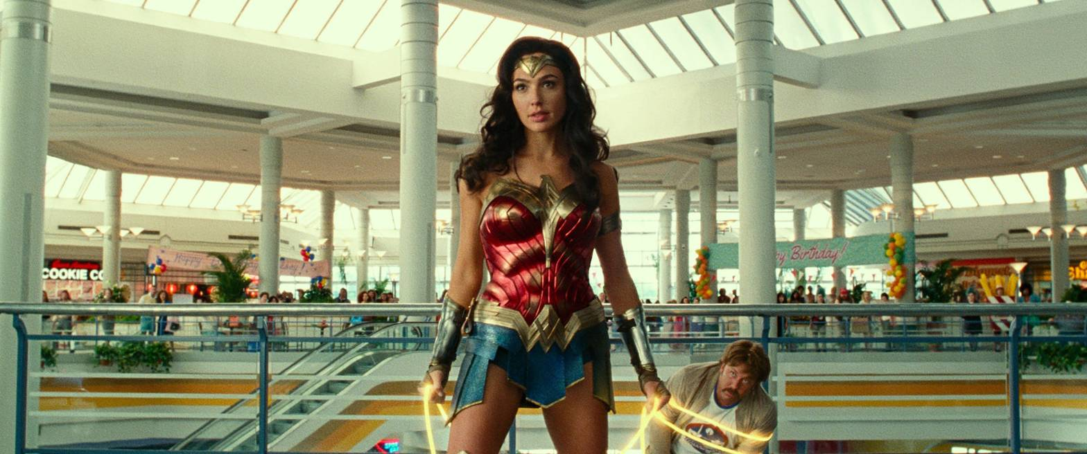 https://www.usatoday.com/story/entertainment/movies/2020/12/19/wonder-woman-1984-gal-gadot-rules-mall-superhero-sequel/3899795001/